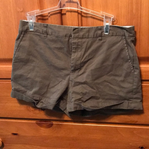 Forever 21 Pants - Green shorts